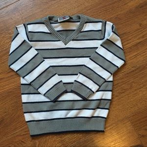 4/30$ size 2 2t white grey and black striped